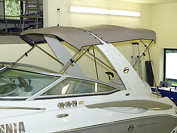 Bimini-Top der Crownline 270 CR