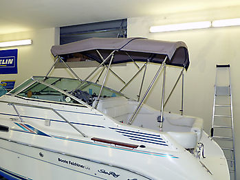 Bimini des Verdecks Sea Ray 230 DALT